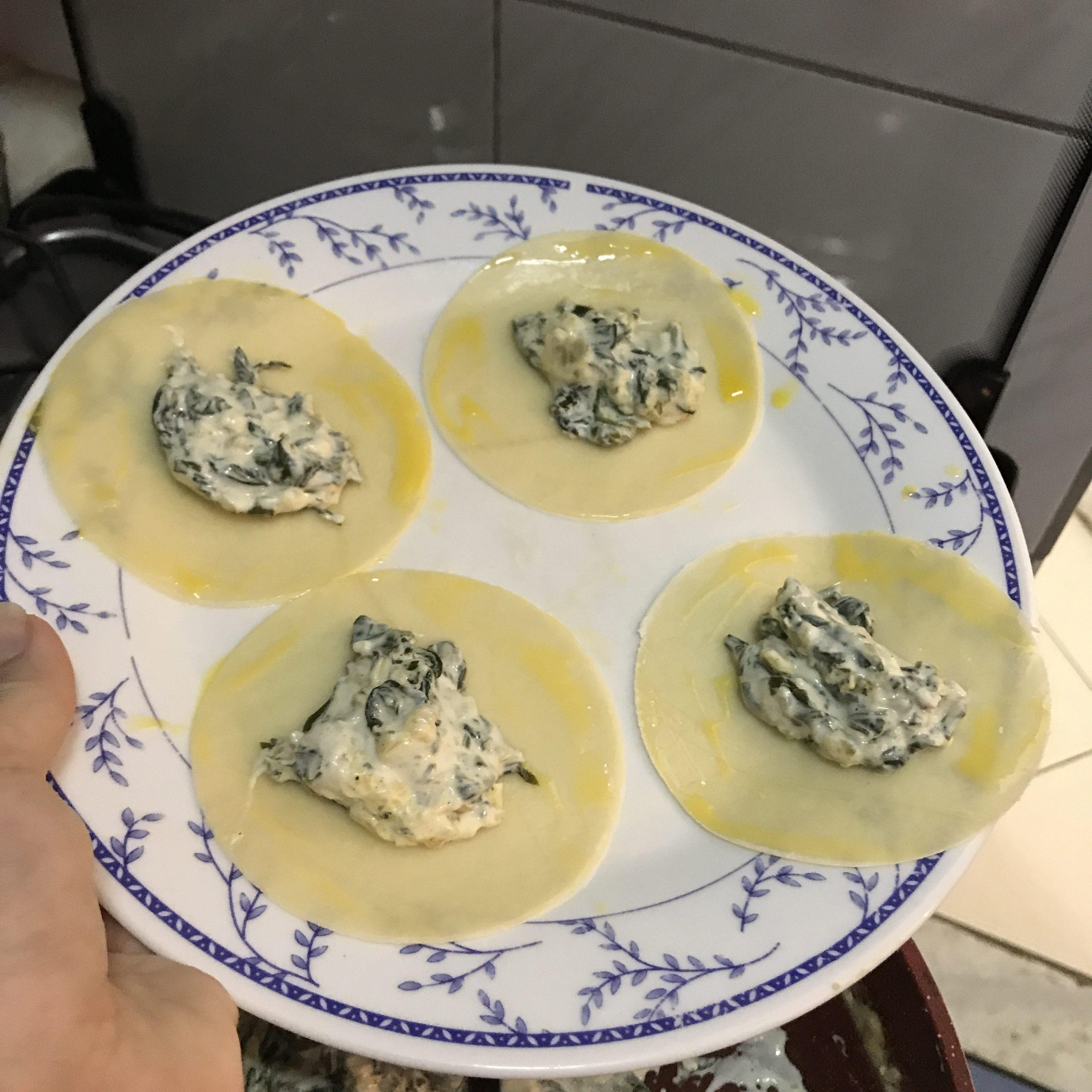 Ravioli med ricoatta och spenat fyllning