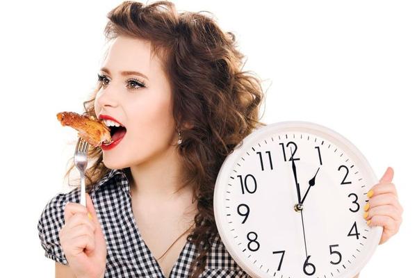Intermittent fasting - periodisk fasta information om hur ofta man ska äta