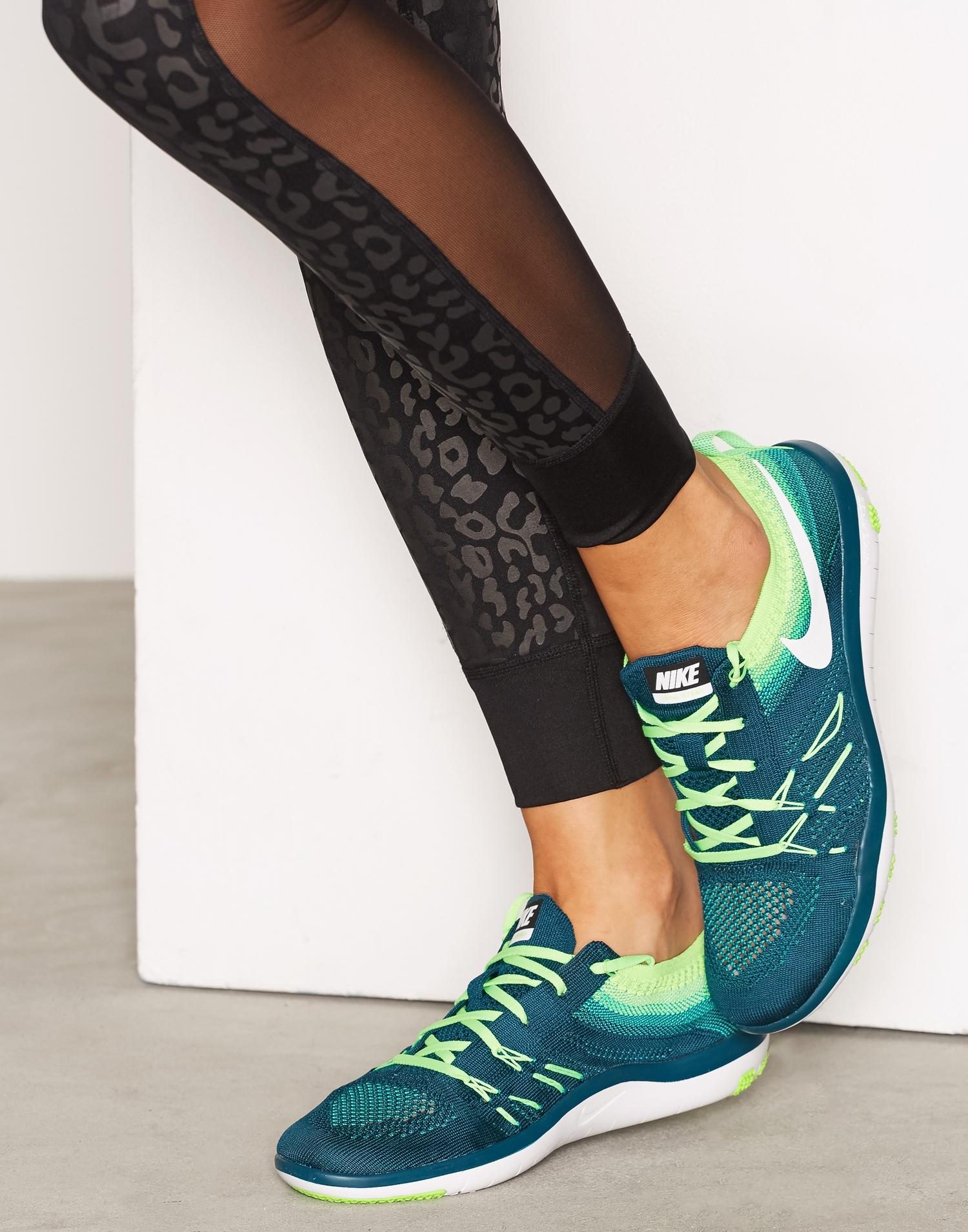 Färgglada Nike Free Focus Flyknit springsskor, löparskor, träningsskor