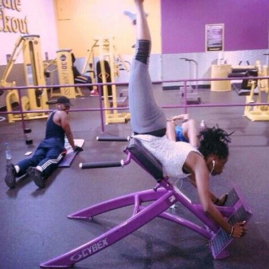 Konstiga gymövningar fails på gymmet
