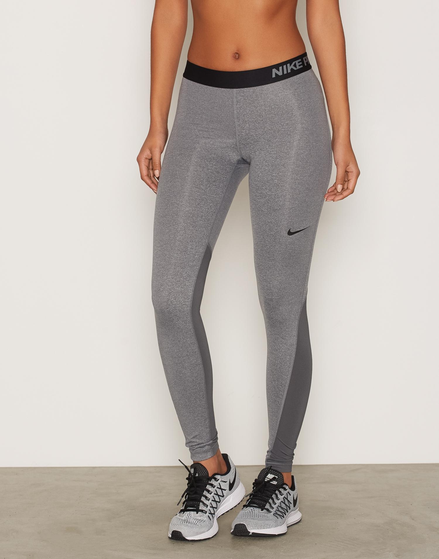 Grå Nike träningstights