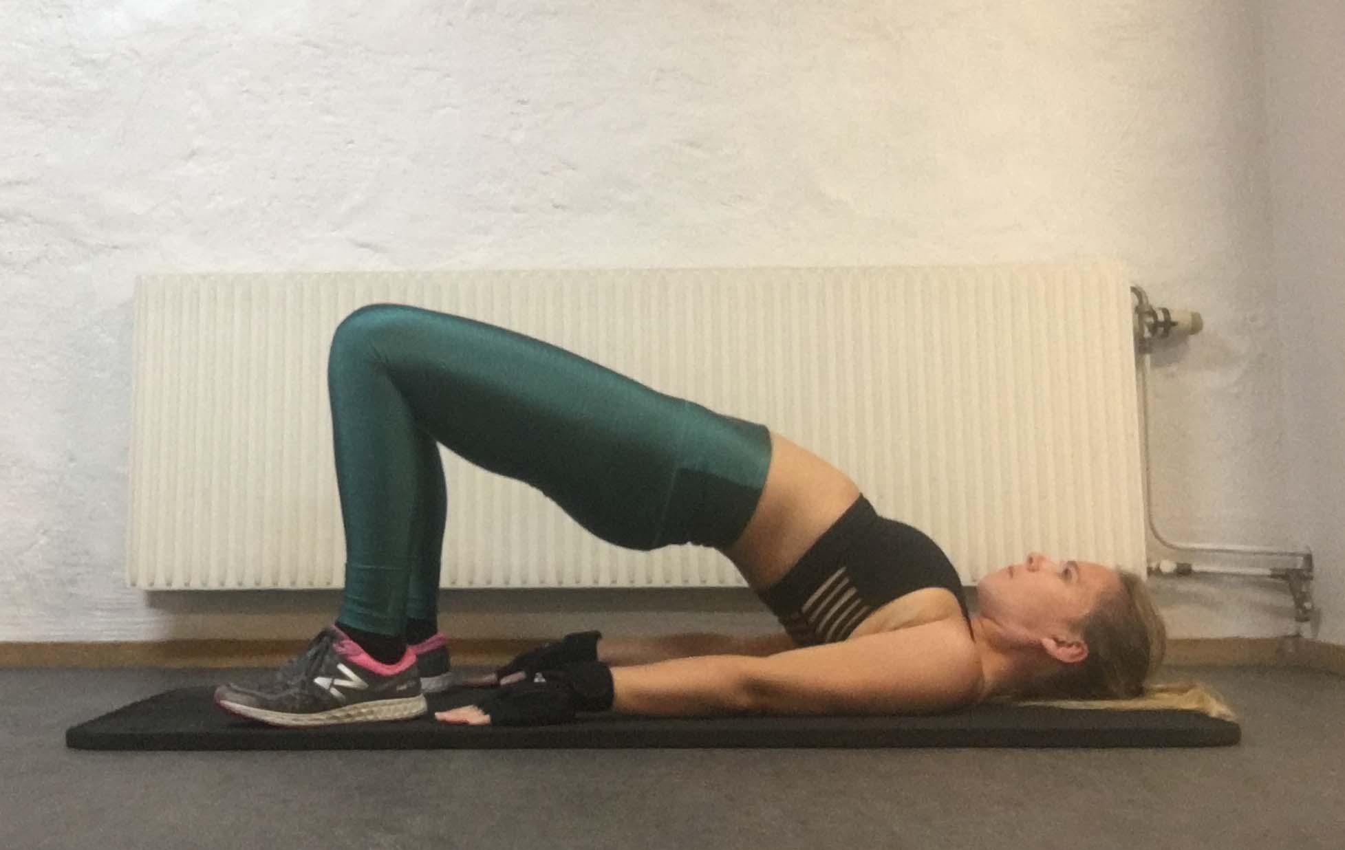 Yogapositioner bro brygga yogaövning