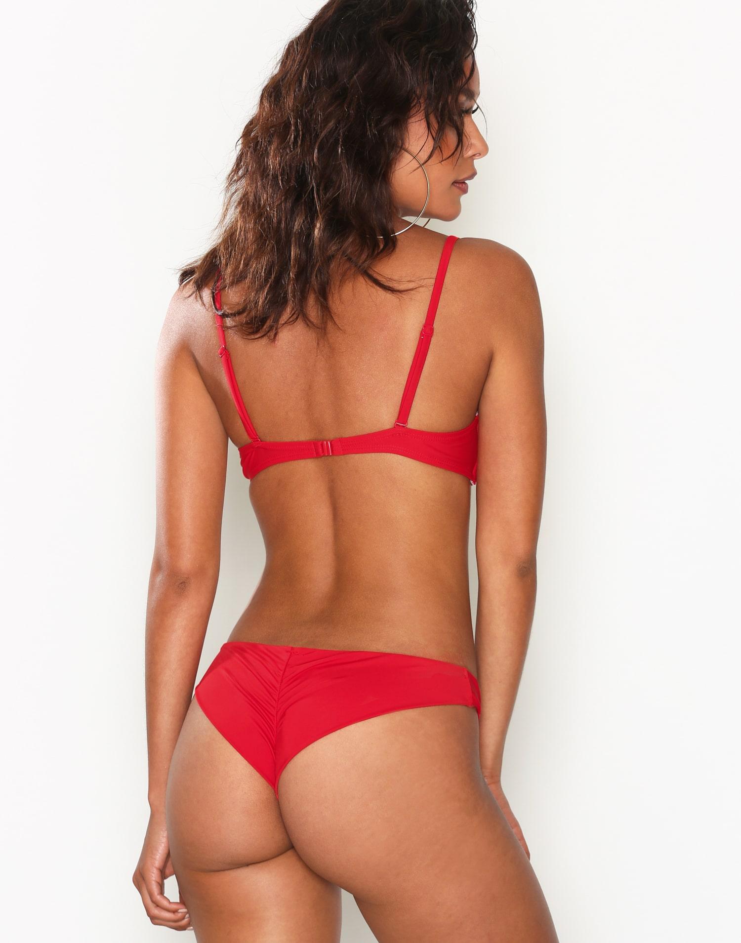 röda bikinitrosor scruch brasilianska