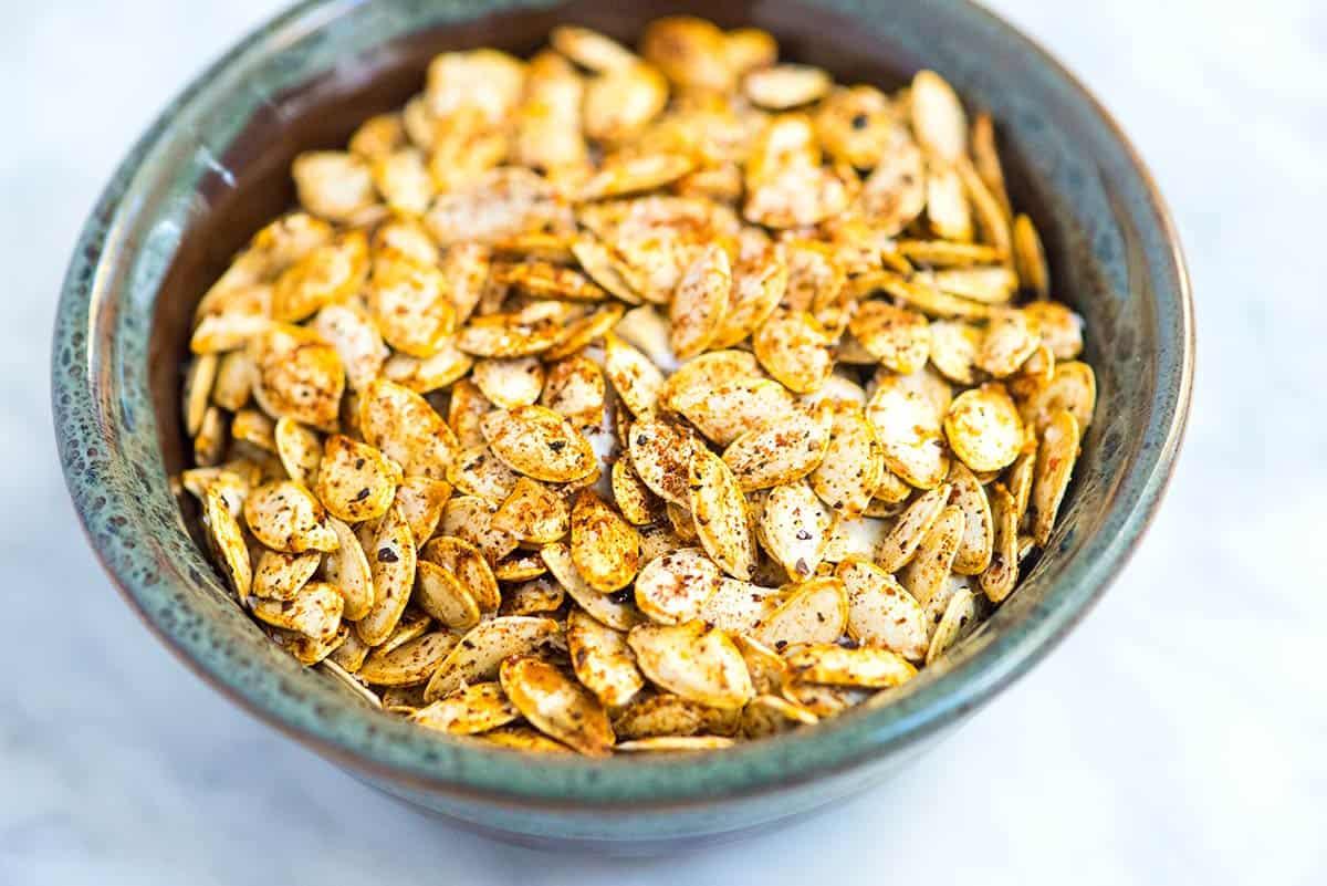Veganska snacks kan man äta pumpafrön från pumpa ja!