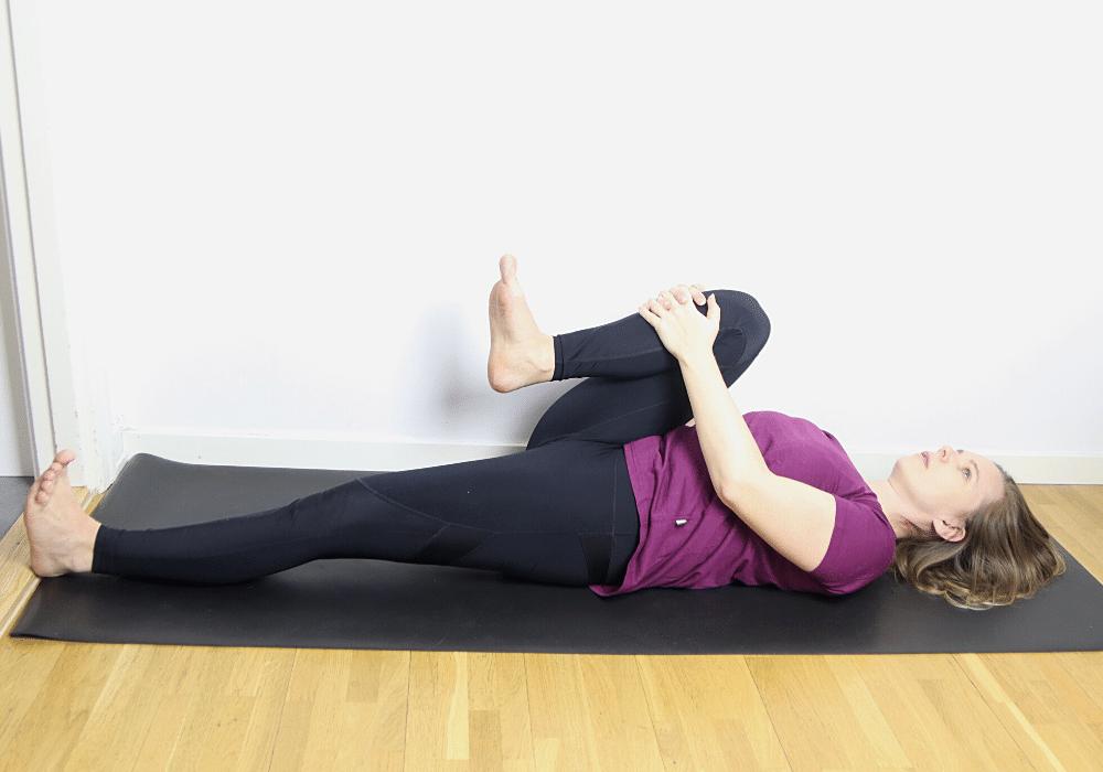 Sträcka ut ryggen övningar ländrygg stretch