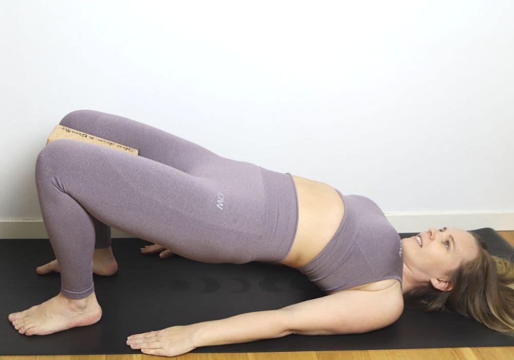 Yoga blocks halv brygga yogaposition