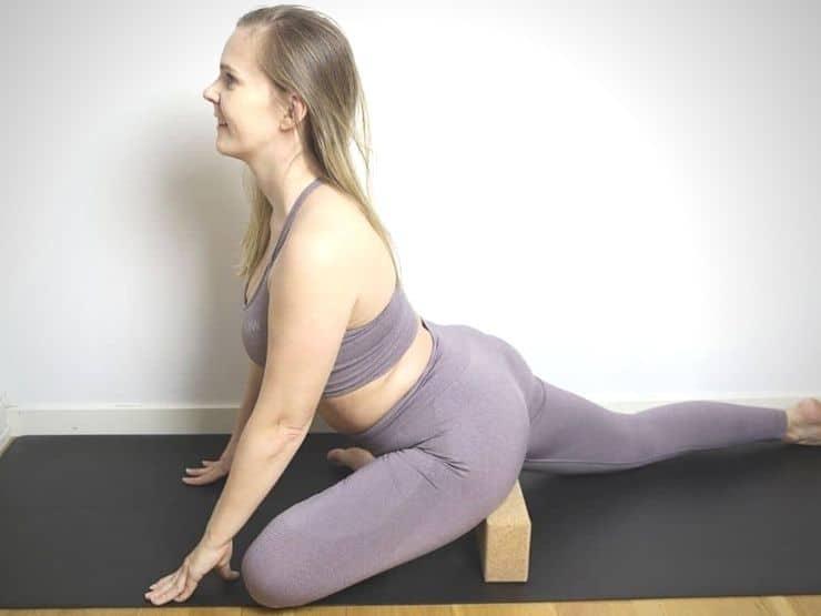 Stretcha höftböjaren övning höftböjarna stretch