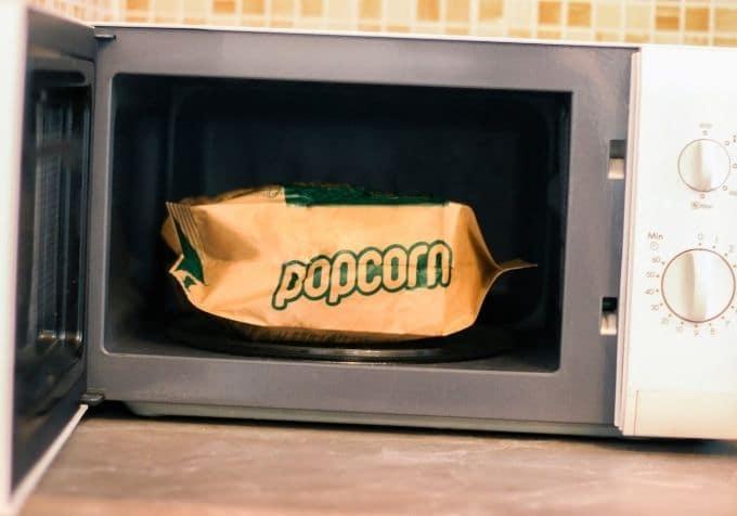 Hur lång tid tar det att poppa popcorn