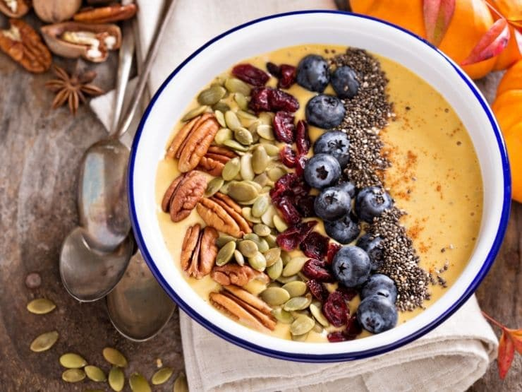 Smoothie bowl topping